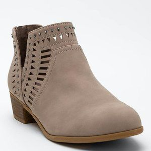 Indigo rd. Calvine Chop Out Ankle Booties Size 6.5